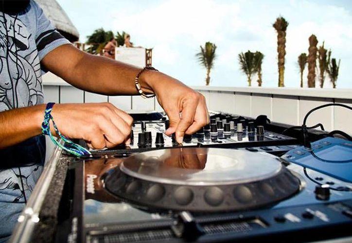 Al ritmo de de house, hip-hop, trance, techno y progresivo los DJs pondrán el ambiente en Coloréate 5k. (Contexto/Internet)