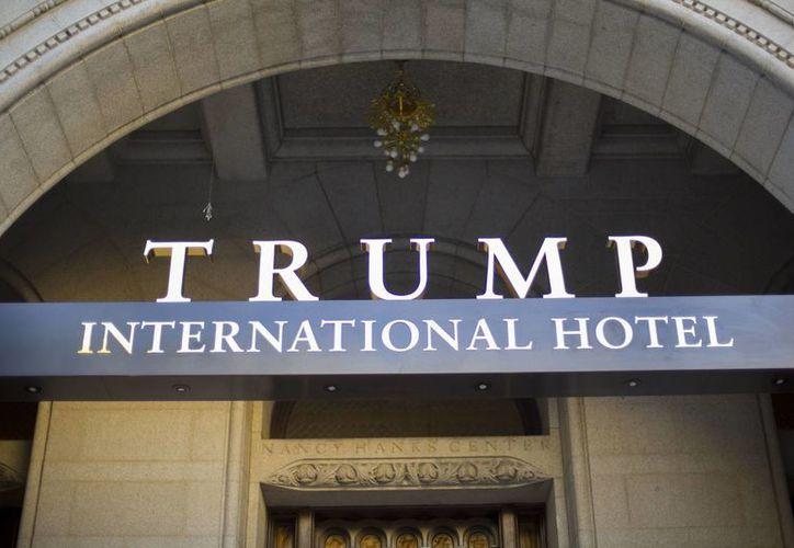 Trump tiene su nombre en hoteles, torres residenciales y centros turísticos en todo el mundo. (AP/Pablo Martinez Monsivais)