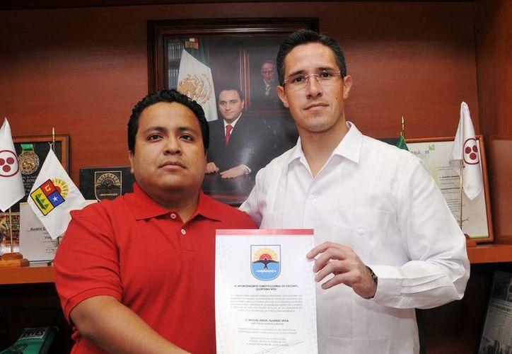 Miguel Ángel Álvarez Vega y Aurelio Joaquín González. (Cortesía/SIPSE)