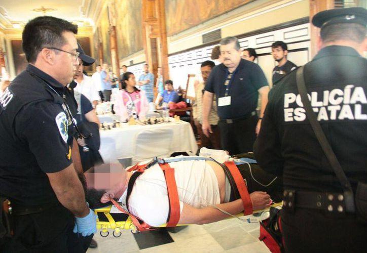 Julio sufrió una convulsión durante el torneo de ajedrez 'Carlos Torre Repetto, in memorian', en el Palacio de Gobierno de Yucatán. (Jorge Acosta/Milenio Novedades)