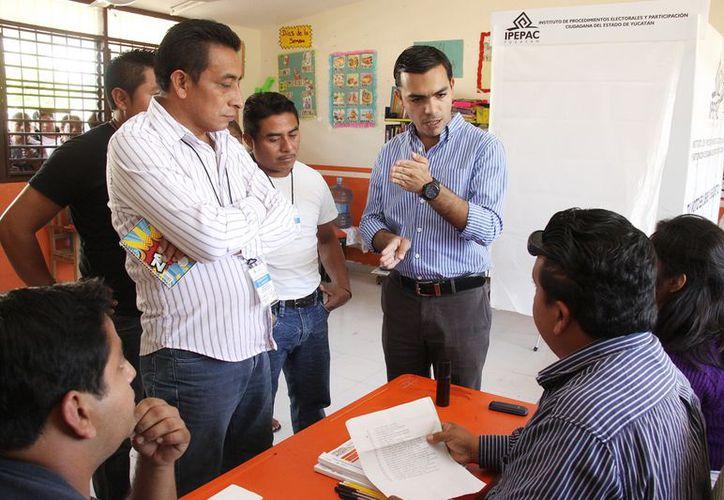 En San Ignacio Tesip la votación inició a las 11 de la mañana por negativa de algunos pobladores. (Cortesía)