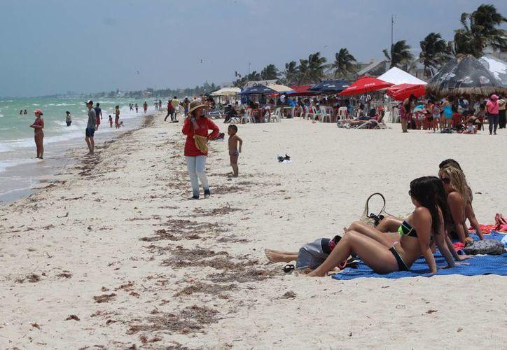 En Yucatán se mantendrán las temperaturas entre los 35 y los 40 grados. (Gerardo Keb/Milenio Novedades)