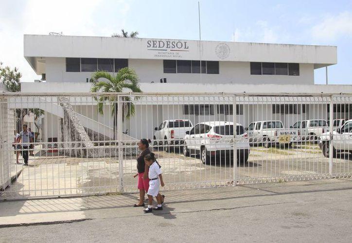 Cada año la Sedesol ejerce entre los diversos programas y proyectos alrededor de mil millones de pesos. (Harold Alcocer/SIPSE)