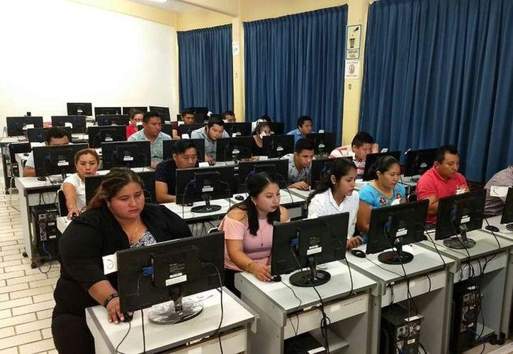 De acuerdo con la SEQ, presentaron 499 de los 558 aspirantes para funciones de directivos y supervisores. (Joel Zamora/SIPSE)