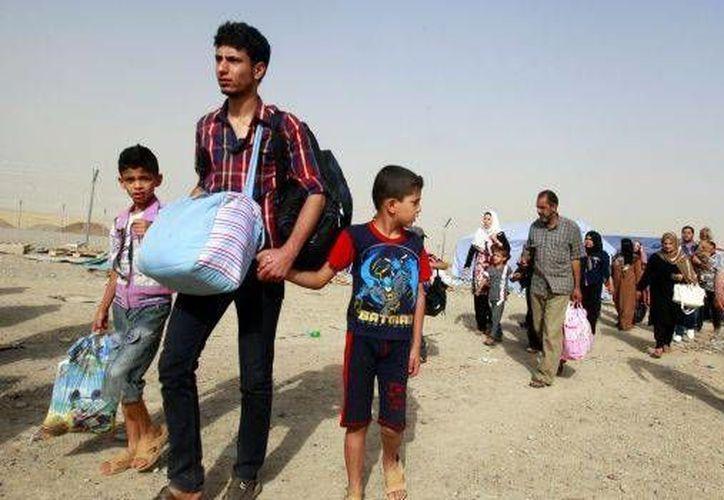 Miles de personas han huido hacia la región autónoma curda en el norte de Irak. (AP)