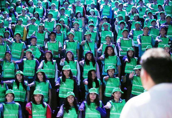 El Secretario General de Gobierno tomó la protesta a los jóvenes en brigadistas en el Gran Museo del Mundo Maya. (Milenio Novedades)