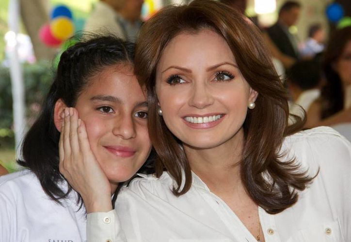 A los colonos les gustó el personaje de 'La Gaviota', que interpretó Angélica Rivera. (presidencia.gob.mx)