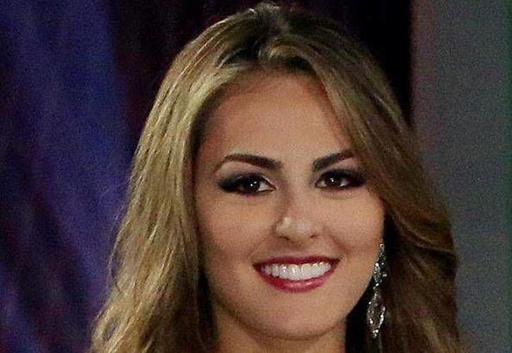 La colombiana María Camila Soleibe es la Reina Hispanoamericana de belleza 2016.- (EFE)