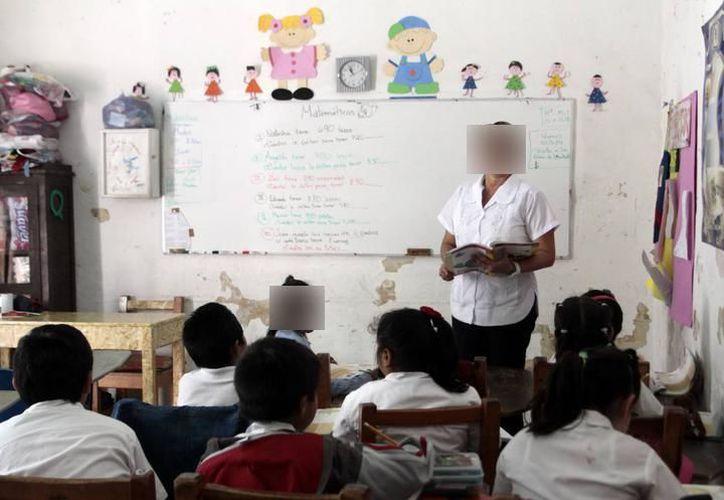 Los maestros de Yucatán ya reciben su bono desde el pasado miércoles. (Archivo/ SIPSE)