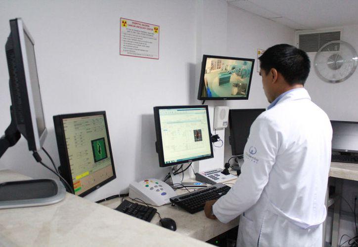 Los tratamientos tienen bajos costos en Cancún, que en Estados Unidos. (Israel Leal/SIPSE)