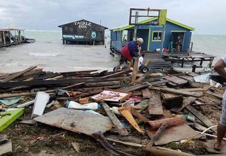 Las zonas turísticas de Belice se vieron muy afectadas por la intensidad de los vientos del huracán 'Earl'. (Cortesía)