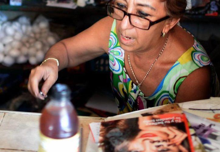 El calor aumenta la venta de refrescos embotellados. (José Acosta/SIPSE)
