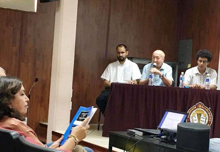 Eddie Salazar y Mauricio Soberanes durante la presentación en el ITM. (Milenio Novedades)