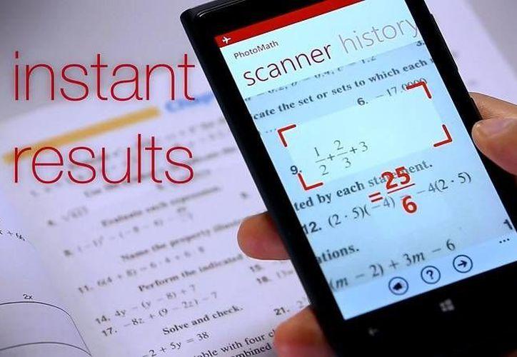 Con la app PhotoMath solo debes escanear la operación del libro de texto y te mostrará el resultado, así como el proceso para llegar a él. (Captura de pantalla/Photomath.net)