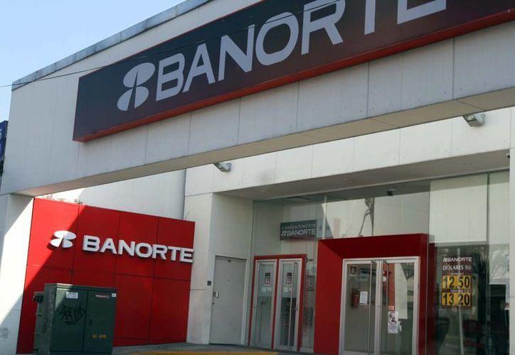 Algunas sucursales ubicadas en centros comerciales abrirán en su horario normal; la BMV tampoco tendrá actividades del 28 de marzo al 1 de abril. (Notimex)