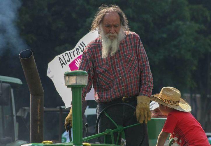 De acuerdo con datos del Inegi, el 60% de productores del campo mexicano son ancianos. (Archivo/Notimex)