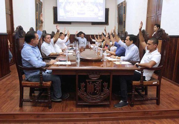 Mérida se convirtió en el primer municipio de Yucatán en aprobar la reforma constitucional en material electoral, que permite la reelección de regidores. (Cortesía)