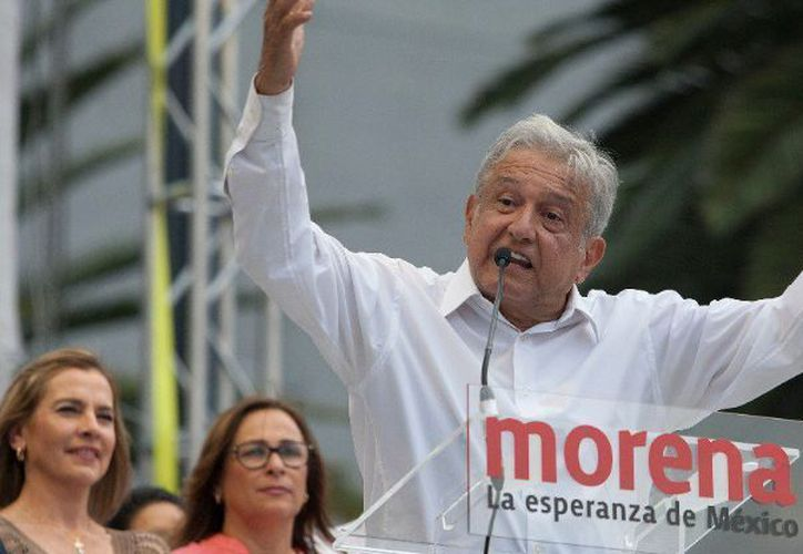 Líder de Morena, sufre agresión en mitin. (Foto: Contexto/ Internet)