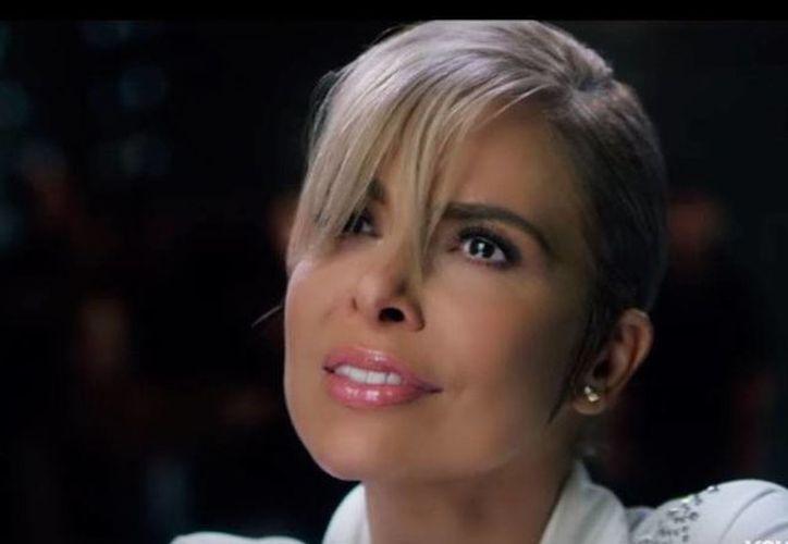 Gloria Trevi lanzó 'Te quiero', el tercer sencillo de su nueva producción discográfica 'El amor'. (Captura de pantalla de video 'Te quiero' en YouTube/GloriaTreviVevo)