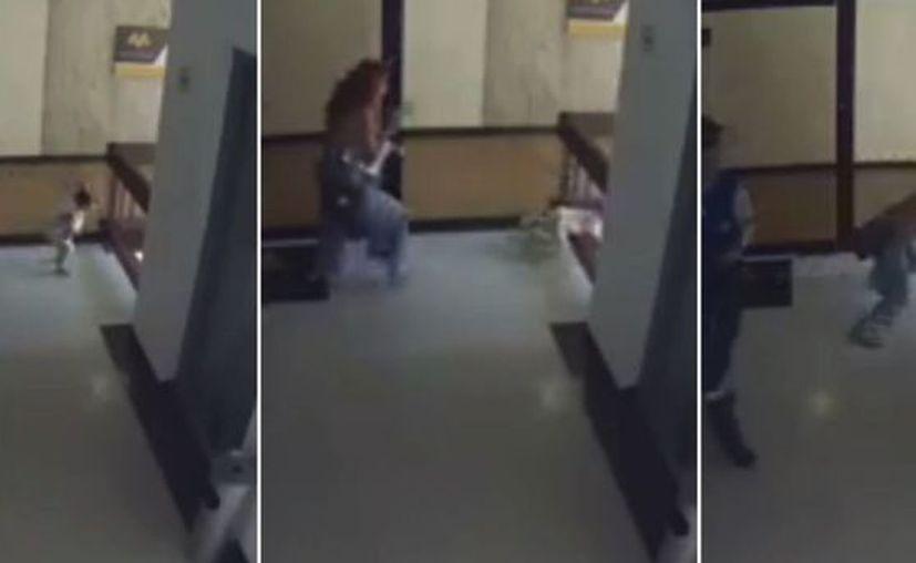Mostrando unos rápidos reflejos, la mujer detuvo al niño por los pies. (Vanguardia)