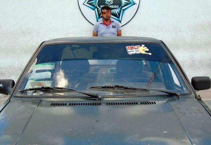 Un hombre que transportaba en su vehículo unos 400 kilos de pepino de mar fue detenido en Progreso. (Gerardo Keb/SIPSE)
