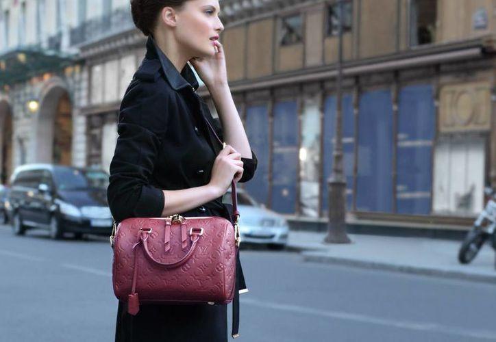 La muestra relevó que por un bolso de mujer de marca conocida está dispuesta a pagar 210 euros si no se trata de uno falso. (louisvuitton.com)