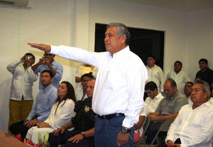 Gilberto Gómez Mora repite en el cargo de secretario del Ayuntamiento. (Rossy López/SIPSE)
