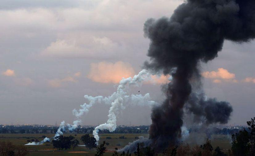 La fuerza aérea egipcia bombardeo campos de entrenamiento de yihadistas en Derna, en la vecina Libia. (RTVE).