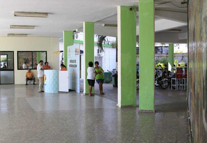 Por segunda ocasión se pudo constatar la falta de extintores en el Palacio Municipal de Chetumal. (Harold Alcocer/SIPSE)