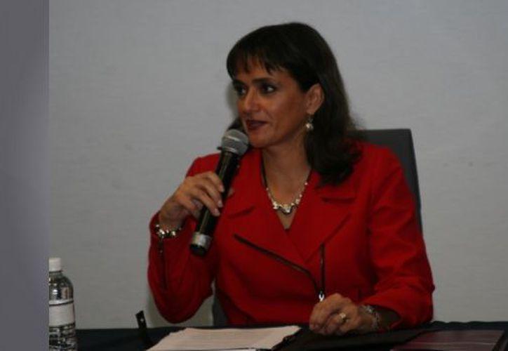 En 1993, la ahora directora del SAT ganó el primer lugar en el concurso Literatura Universitaria de dicha institución y el premio de poesía joven de Monterrey 'Alfredo García Vicente'. (SDP Noticias)