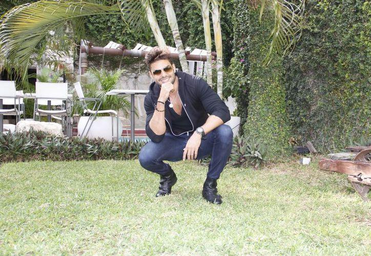 Erick Sabater, Mister Universe 2012, ha aprendido mucho en Yucatán. (SIPSE)