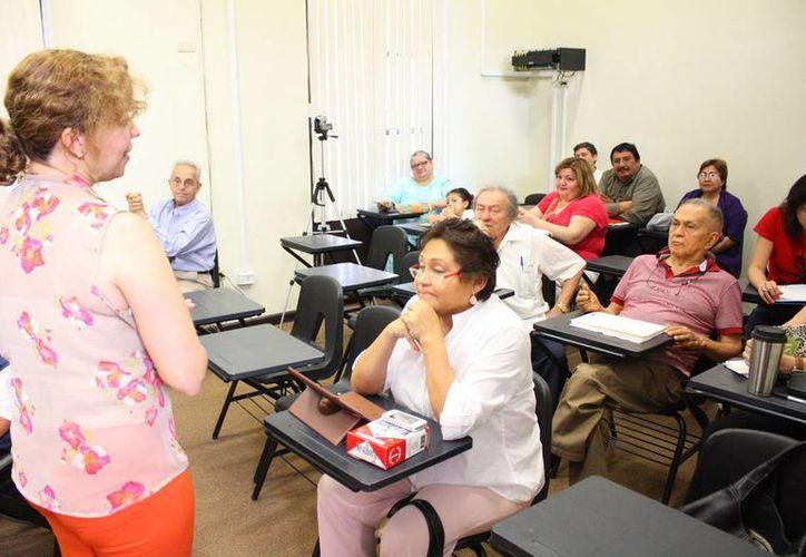 El 1 de septiembre darán inicio los dos primeros bloques del Programa de Formación Literaria de la Escuela de Escritores 'Leopoldo Peniche Vallado', de 16:00 a 20:00 horas. (SIPSE)