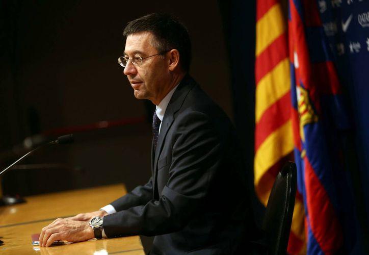 La multa que el Barcelona deberá pagar es de 370 mil euros. En la foto, el presidente del club, Josep María Bartomeu. (EFE))