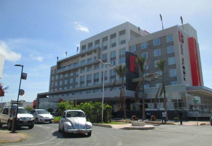 La apertura de tres nuevos hoteles brindaron alrededor de dos mil 200 nuevos empleos directos. (Harold Alcocer)