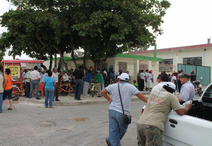 Sindicato Único de Trabajadores al Servicio del Ayuntamiento de Othón P. Blanco, solicitan que 12 rubros sean modificados. (Harold Alcocer/SIPSE)