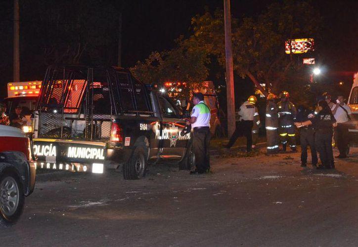 Seis personas resultaron lesionadas tras el choque de la patrulla en la que eran trasladados a El Torito, en Cancún. (Redacción/SIPSE)