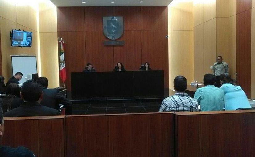 El juicio oral por el asesinato del psiquiatra Felipe de Jesús T. P. está en su fase de desahogo de pruebas. Una experito reveló este viernes cómo halló los restos humanos. (Milenio Novedades)