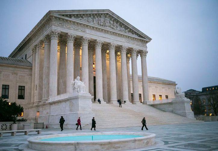 La Corte Suprema de Estados Unidos falló que parte de una ley que facilita la deportación de inmigrantes declarados culpables. (Foto: The New York Times)