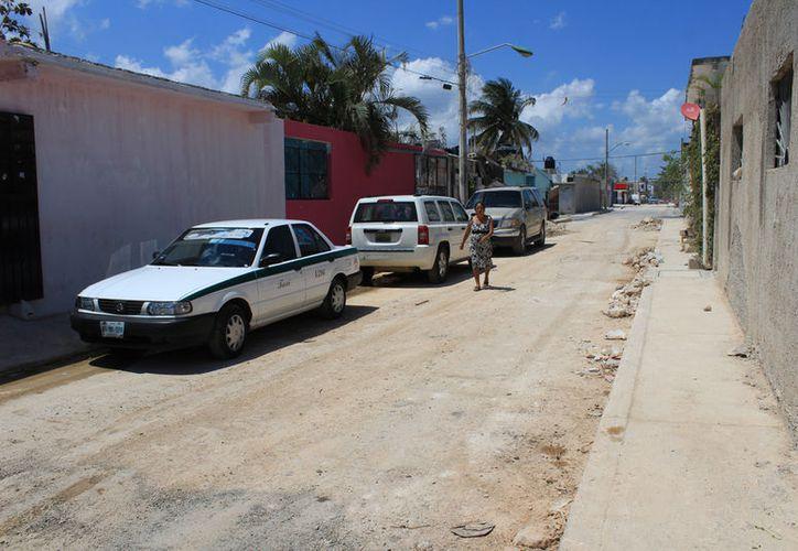Algunas calles se encuentran en pésimas condiciones. (Jesús Tijerina/SIPSE)