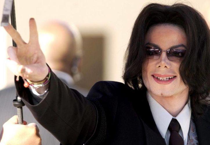 Michael Jackson, uno de los cantantes más famosos de la segunda mitad del siglo XX, es recordado al cumplirse 6 años de su muerte. (nydailynews.com)