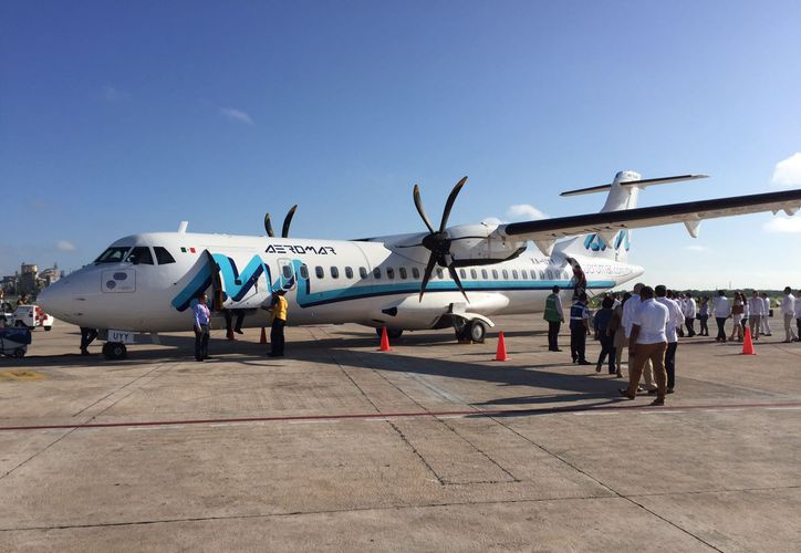 El vuelo Mérida-Cancún, por Aeromar, se inauguró este martes, lo que permitirá conectar a Yucatán con 130 destinos internacionales, pues el aeropuerto de ese polo turístico tiene salidas a todo el mundo prácticamente todos los días. (Fotos: Gretel Mac y Patricia Itzá)