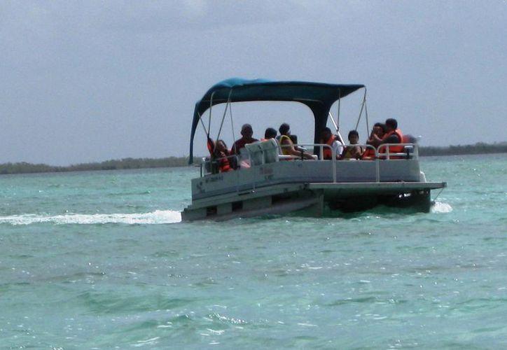 A través de la matrícula de la embarcación citarán al propietario. (Javier Ortiz/ SIPSE)