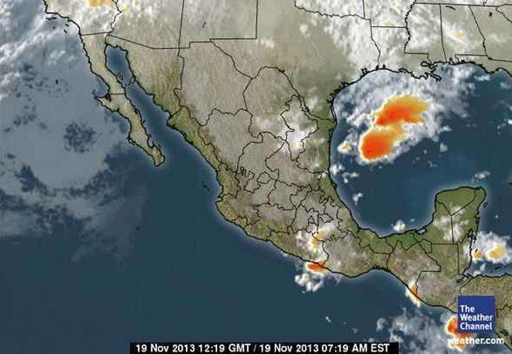 Continúa la entrada de aire marítimo tropical con moderado contenido de humedad procedente del Golfo de México y mar Caribe hacia la Península de Yucatán. (espanol.weather.com)