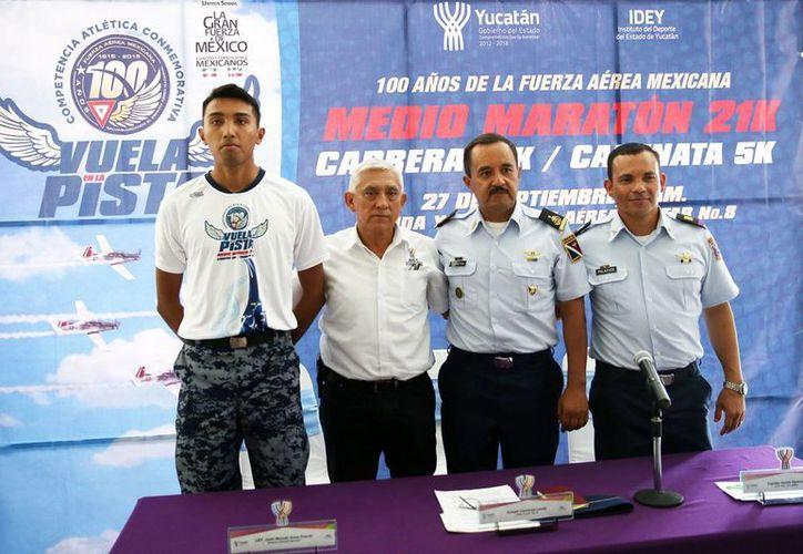 La Fuerza Aérea Mexicana espera la participación de unas 5,000 personas en su medio maratón, carrera y caminata familiar para celebrar sus 100 años de existencia. (SIPSE)