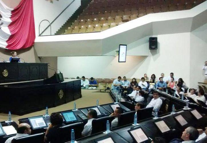 Los integrantes del Pleno de la LX Legislatura votaron por unanimidad a favor de María Eugenia Sansores Ruz. como consejera del Inaip. (@CongresoYucatan)