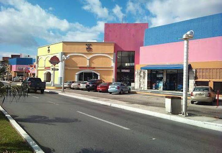 Un sujeto denunció que le robaron un maletín con dinero en efectivo en la zona hotelera de Cancún. (Redacción/SIPSE)