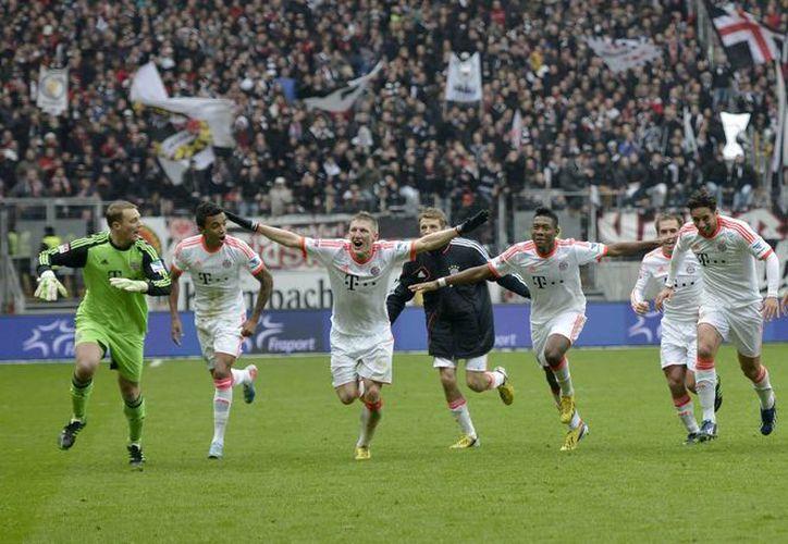 El Bayern logró el título a falta de seis fechas para concluir la liga. (Foto: Agencias)