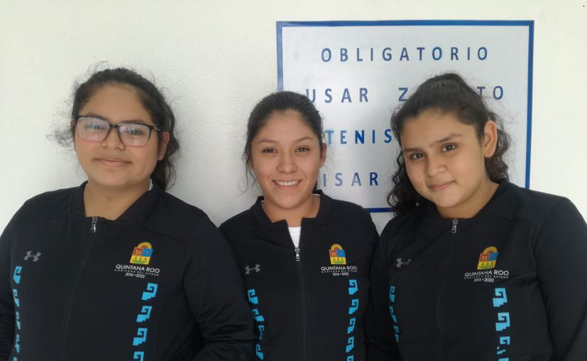 Las chetumaleñas participan en la categoría Juvenil Menor pistola deportiva. (Raúl Caballero/SIPSE)