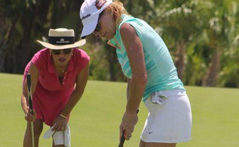 En el torneo participan cerca de 50 mil golfistas. (Raúl Caballero/SIPSE)