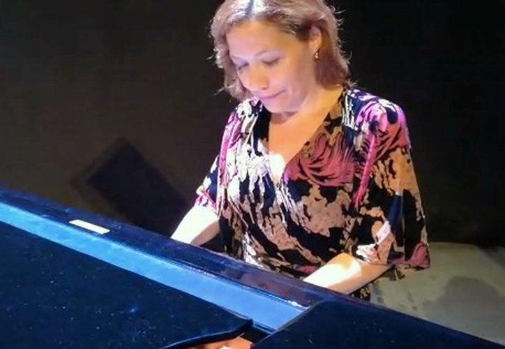 Edith Peña estudió y vivió durante 20 años en Estados Unidos. Hoy en día radica en Madrid, España. (Foto:Novedades Yucatán)